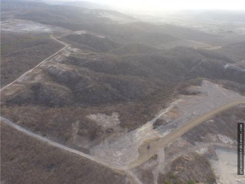 20 hectareas para construir circunvalacion manta