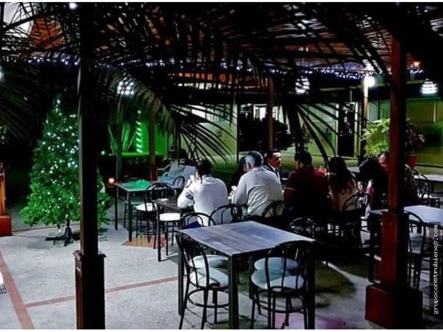 restaurante completamente amoblado en manta