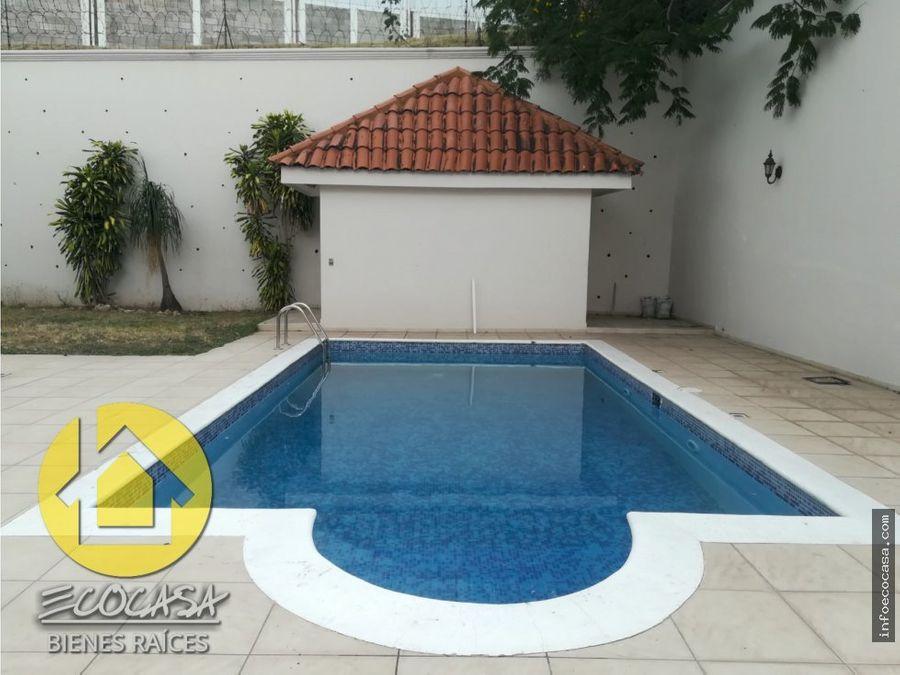 renta de casa con piscina en el trapiche
