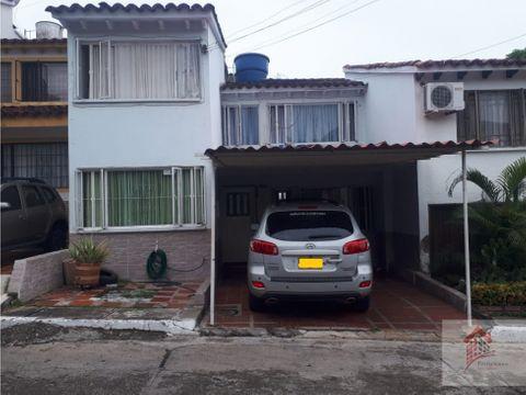 casa para la venta en conjunto cerrado barrio la gaitana neiva