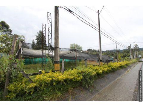 lote industrial entre el hipodromo y aeropuerto