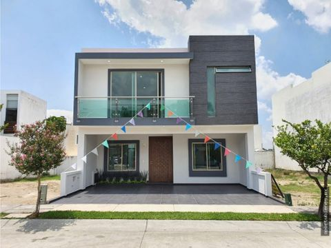 casa 9e amplio terreno con acabados de lujo