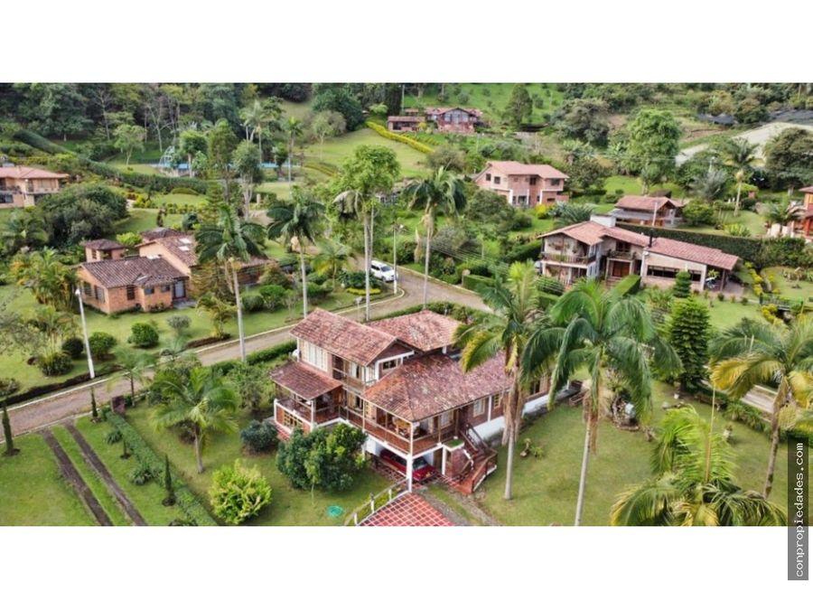venta casa en condominio via anolaima 350m2