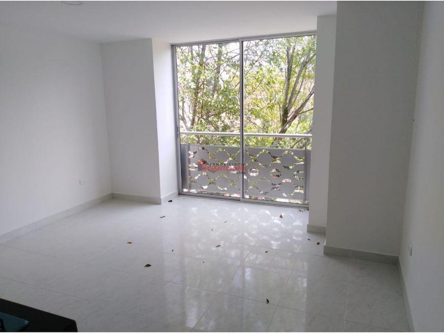 sector barrio cristobal arriendo apto 2do piso