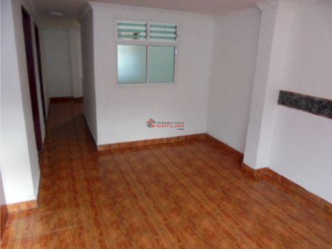 apartamento 2do piso en calasanz parte baja