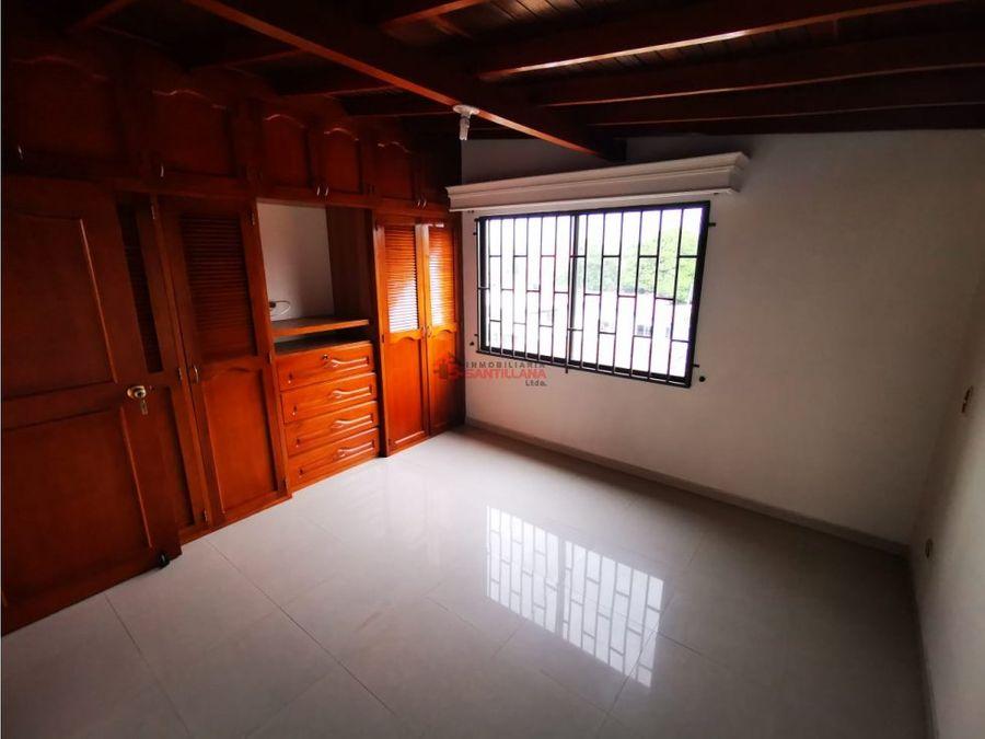 arriendo apartamento duplex laureles lorena