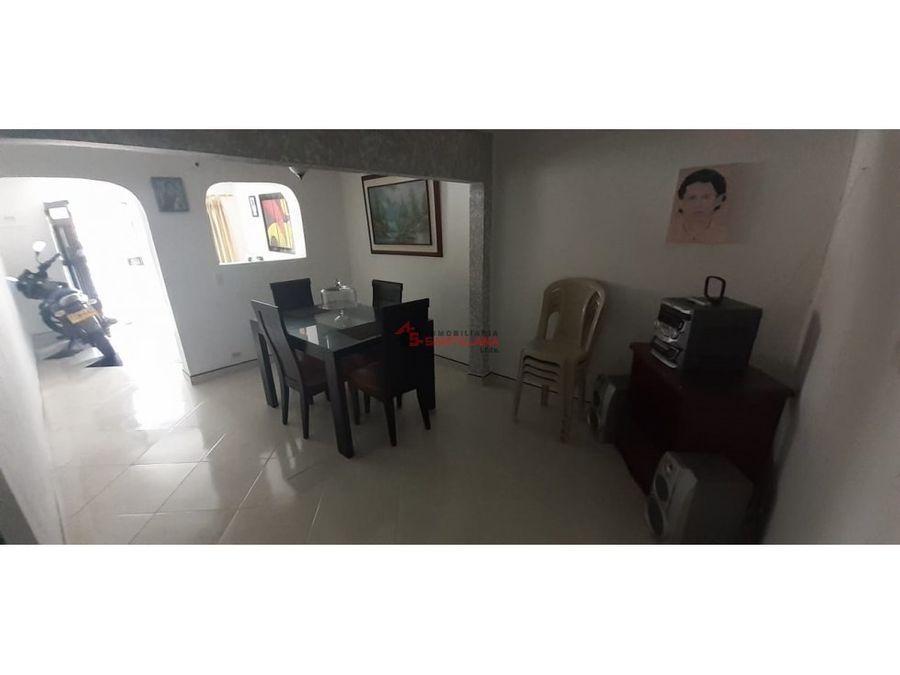 venta casa en manrique central primer piso