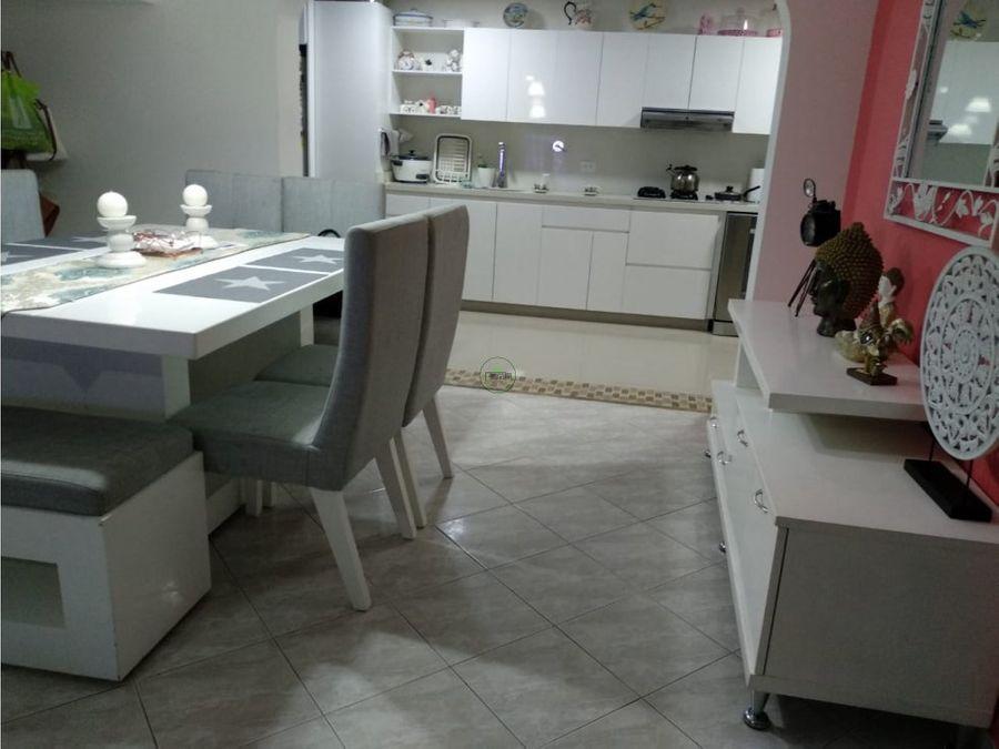 venta casa los colores medellin 700 millones 243 m2