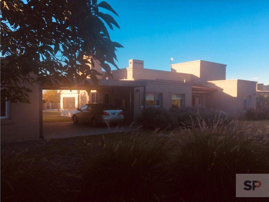 casa en club de campo santa apolonia