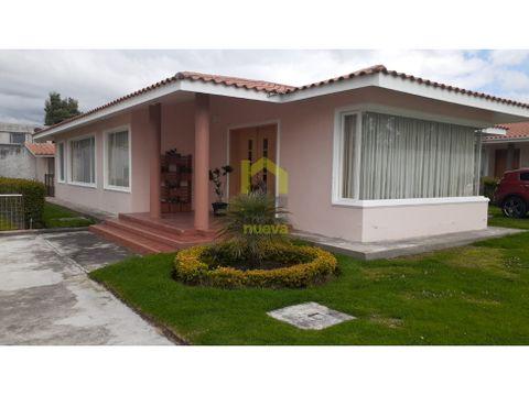 unica vivienda en conjunto habitacional en la ciudad de cotacachi