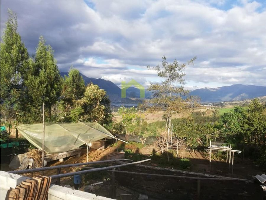 vendo casita con vista al lago san pablo