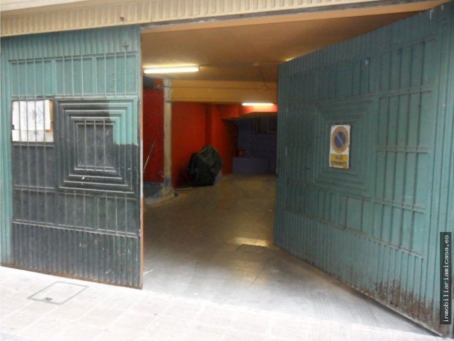 local comercial con acceso para coches