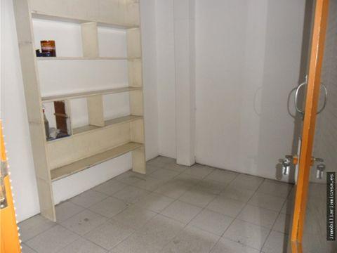 bajo comercial galeria javier puig