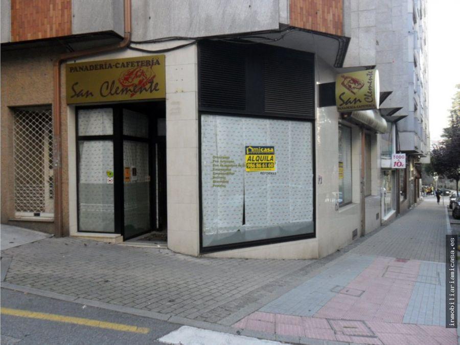 local centrico esquina a dos calles