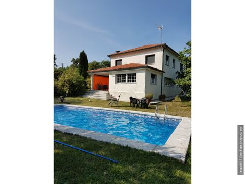 chalet con piscina en venta