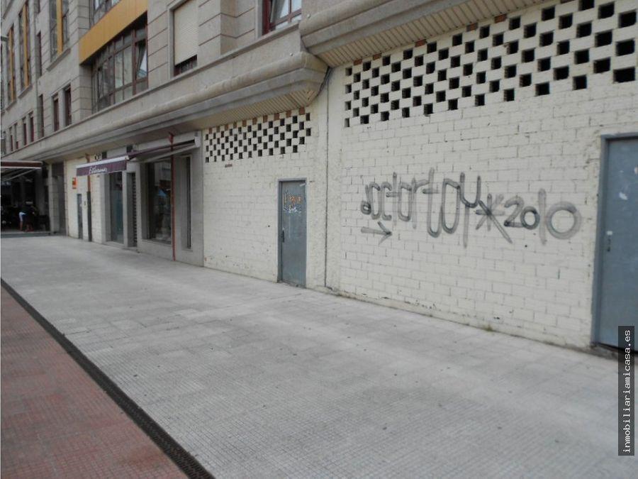 local centrico con fachadas a dos calles