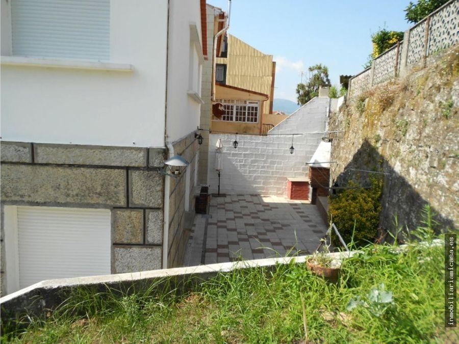 casa con 2 viviendas independientes