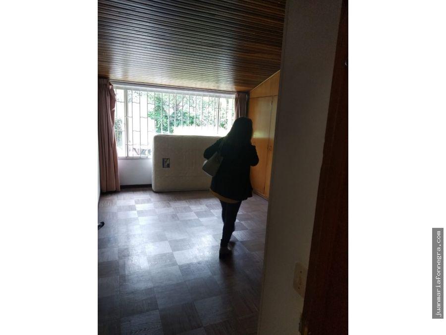 vendo casa alhambra