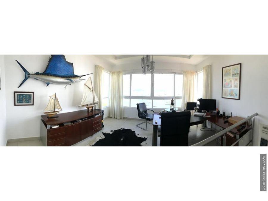 venta de penthouse amoblado en causeway