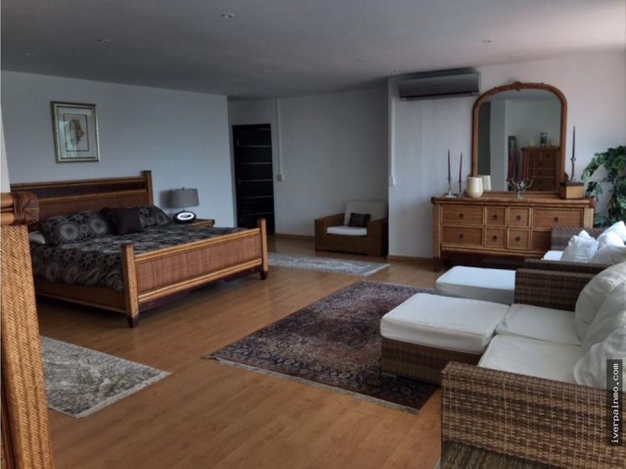 venta de apartamento duplex amoblado en amador