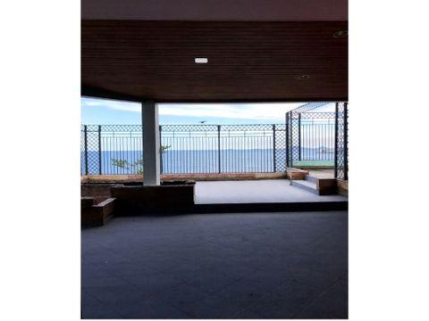 en coco del mar se vende penthouse ph sobre la roca ca