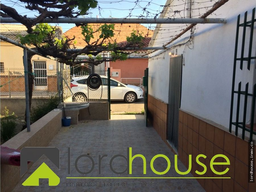 casa ctra de caravaca a 500m del casco urbano