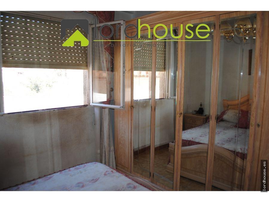 casa de 240m2 con siete dormitorios