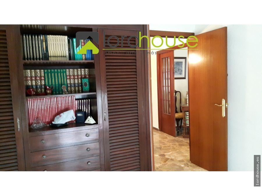 piso en el centro de 4 dormitorios y garaje