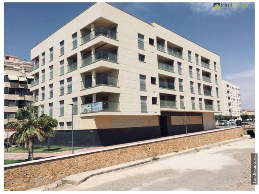 pisos 1o 3o y 4o en 1a linea playa la colonia