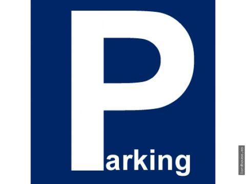plaza de parking en alameda de cervantes