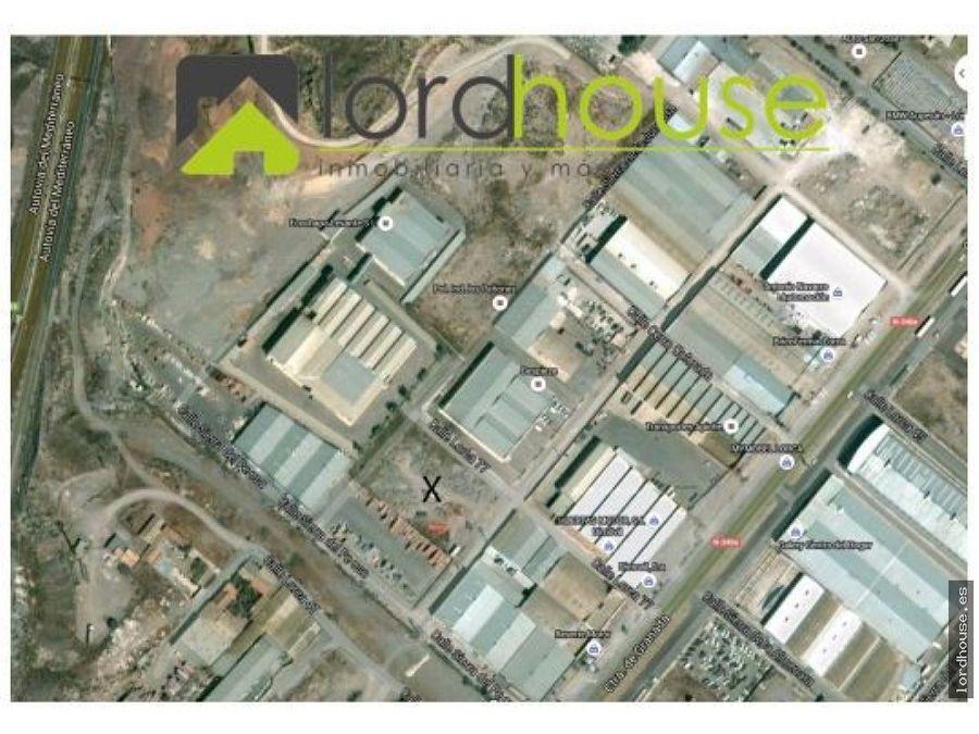 solar b de 3200 m2 en poligono los penones