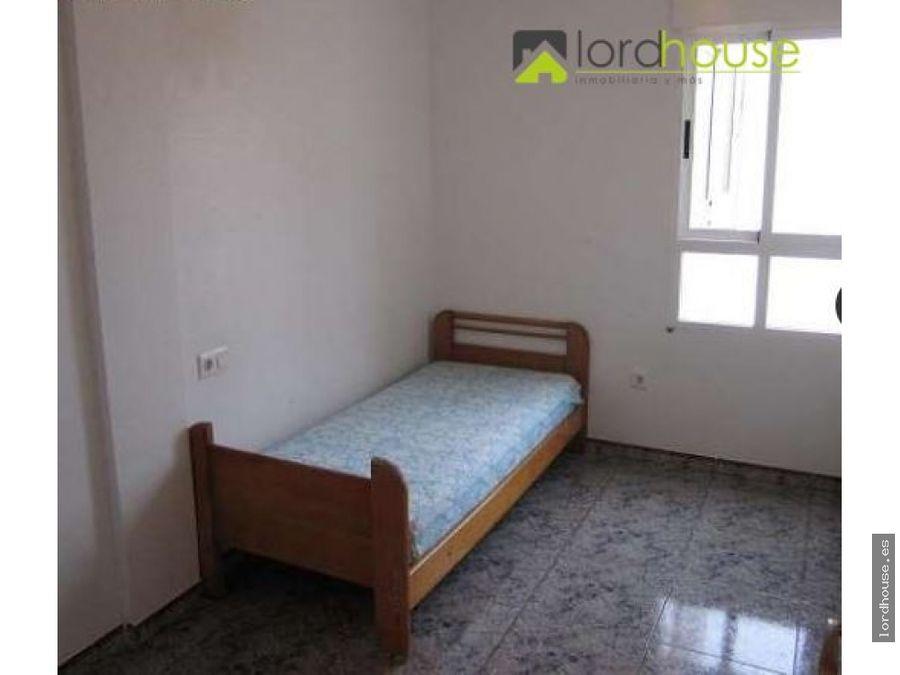 amplio piso de tres dormitorios en puerto lumbreras