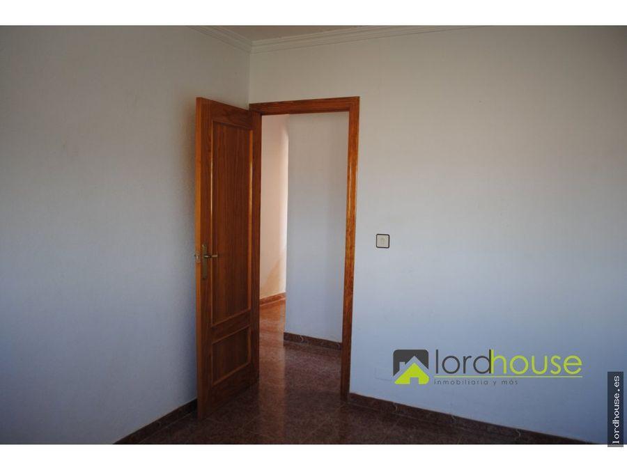 casa de 3 dormitorios en el esparragal