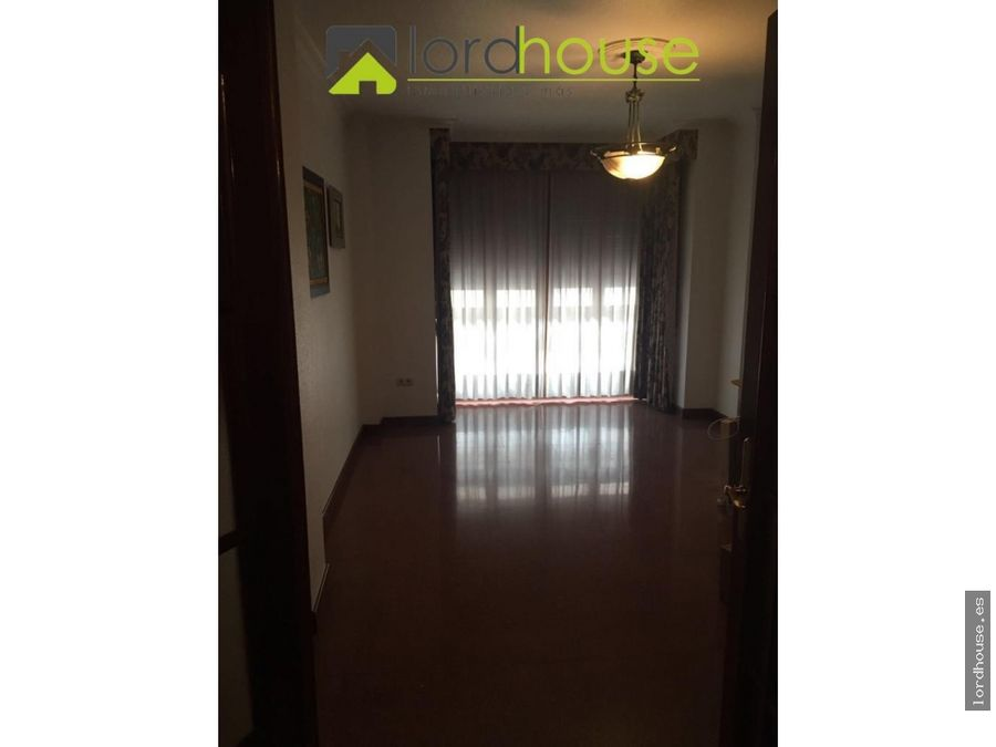 piso en juan carlos i de 4 dormitorios