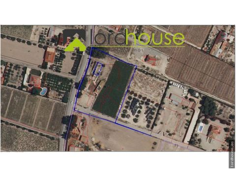 parcela de 6625m2 a 300m del centro comercial almenara