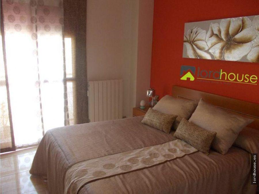 piso en av fuerzas armadas de 4 dormitorios