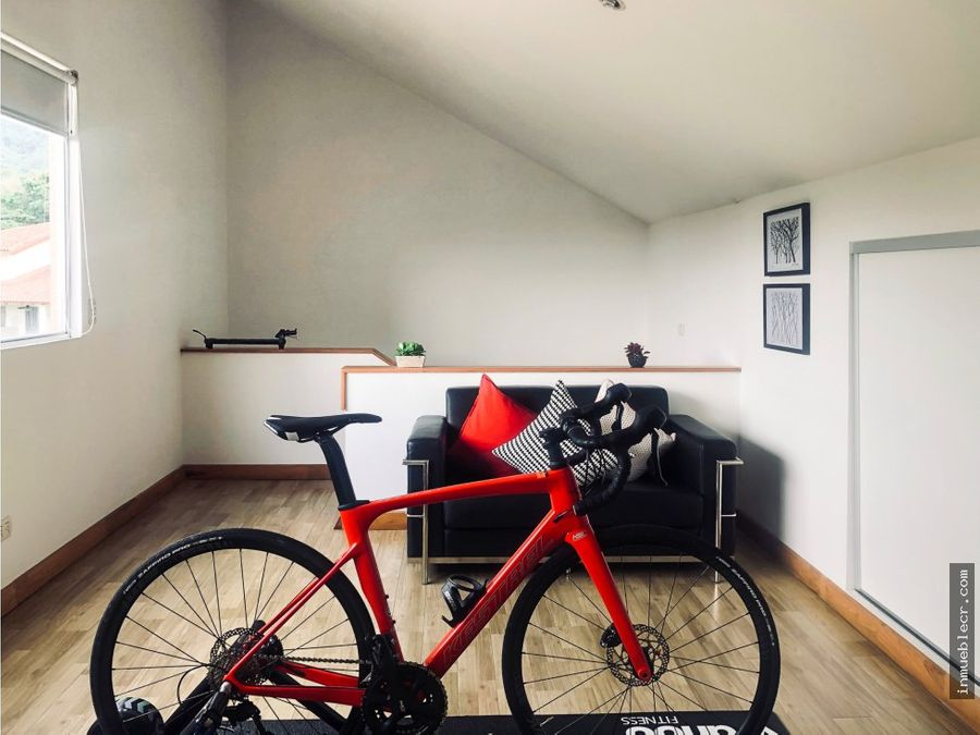 hermosa casa moderna en condominio
