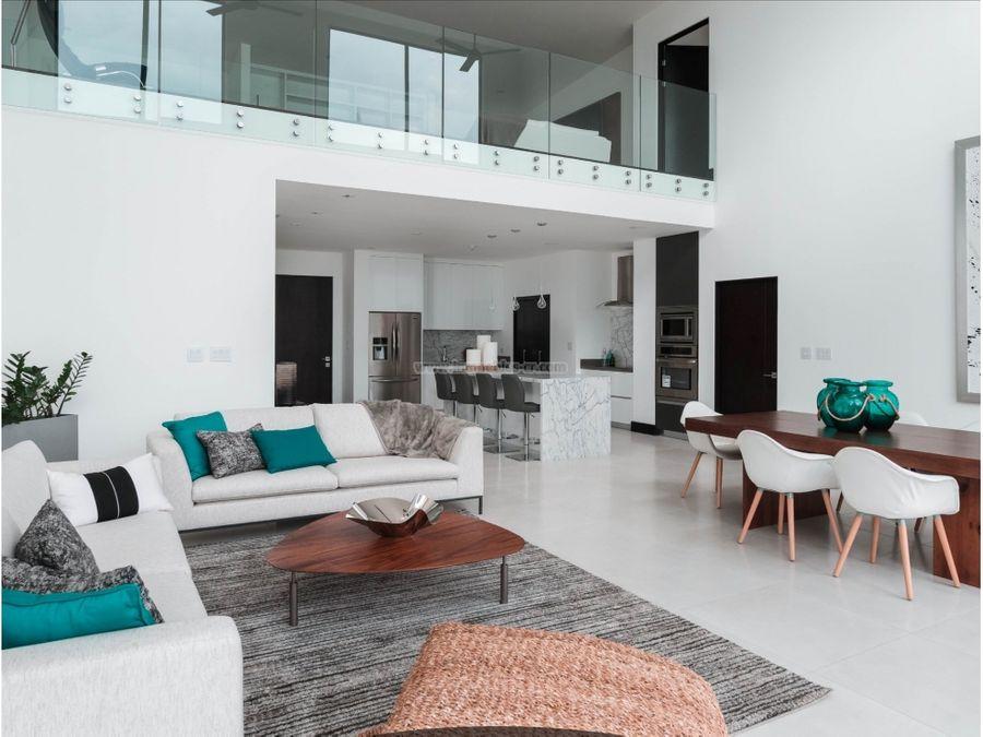 lujoso apartamento de 4 habitaciones alto de las palomas
