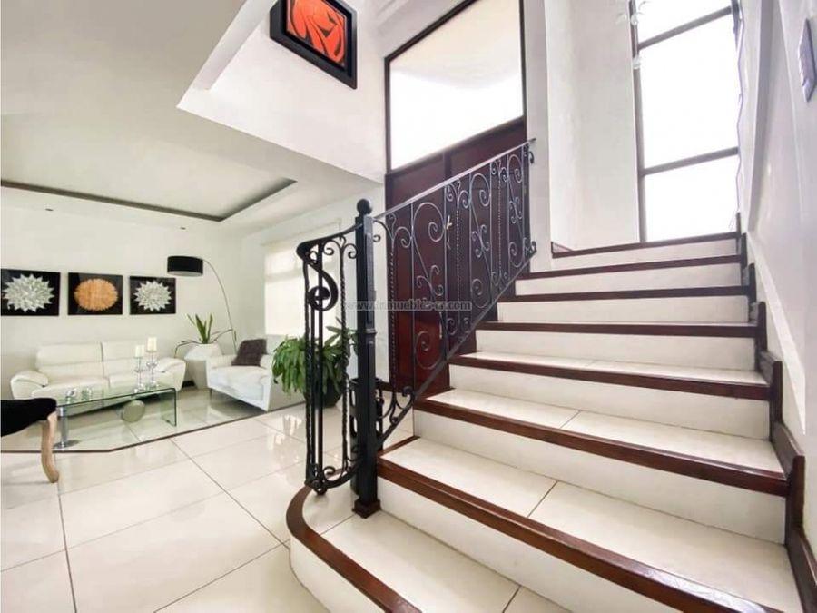 espectacular casa en condominio en san miguel escazu