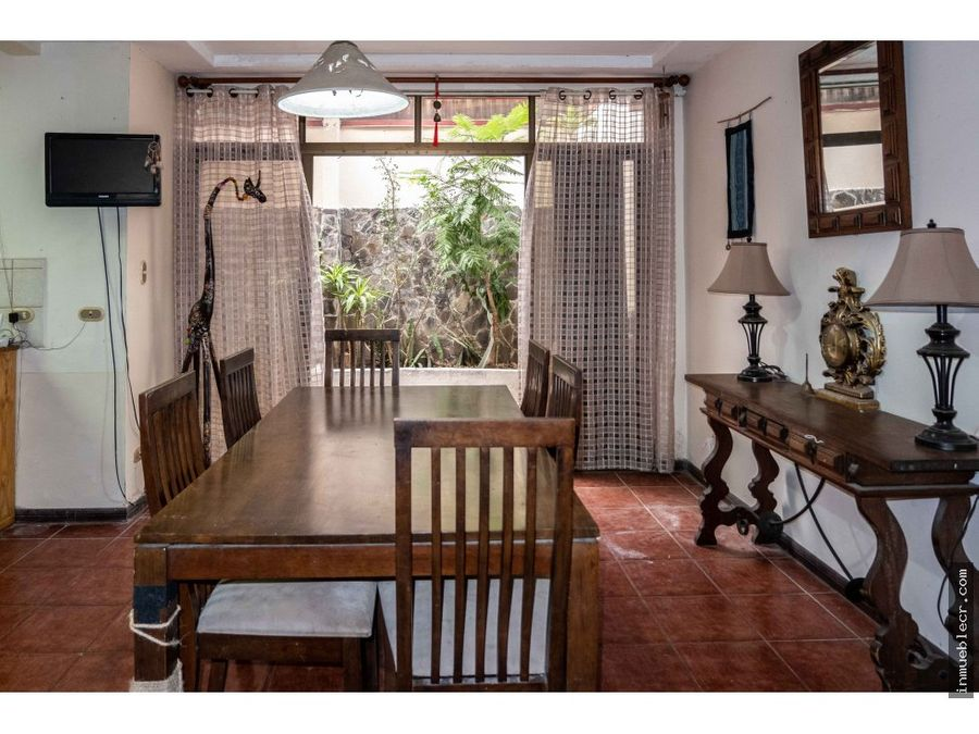 espaciosa casa en condominio
