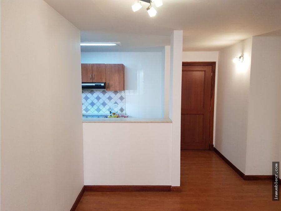 comodo apartamento en alquiler en la uruca