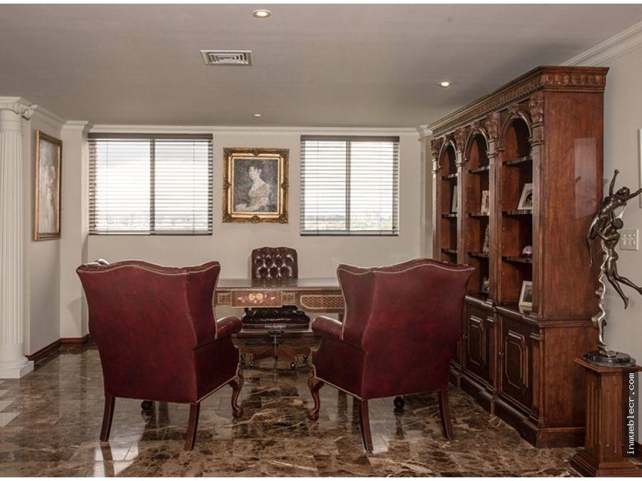 bello y amplio apartamento en venta con hermosa vista