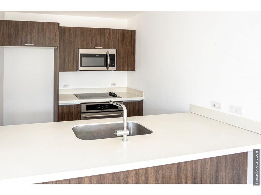 precioso apartamento en montesol sin muebles