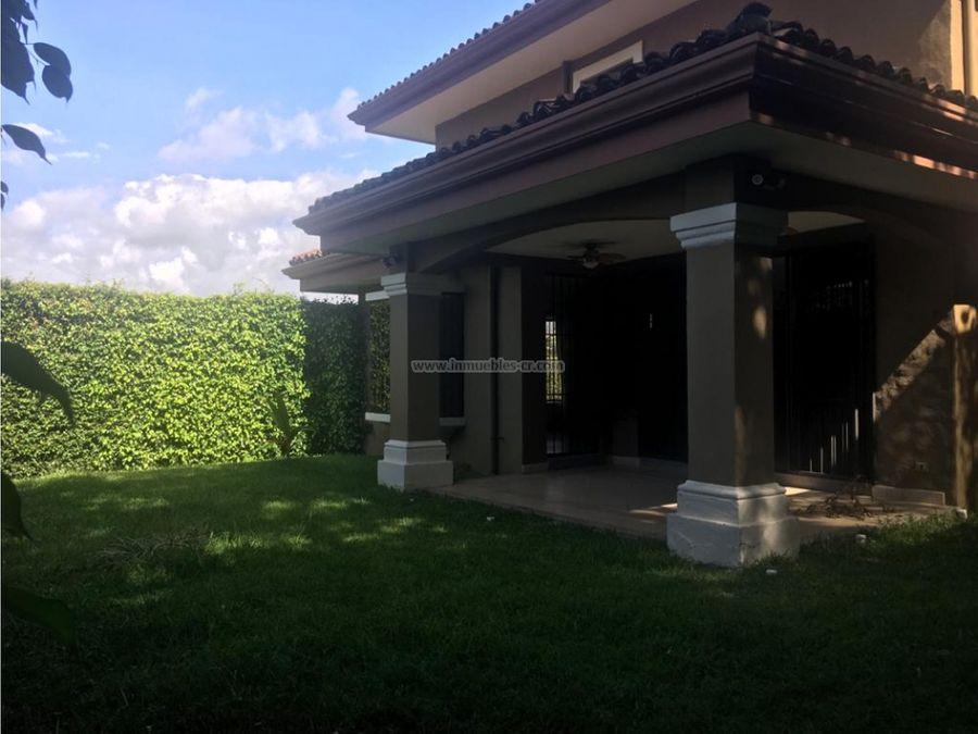 moderna casa amueblada