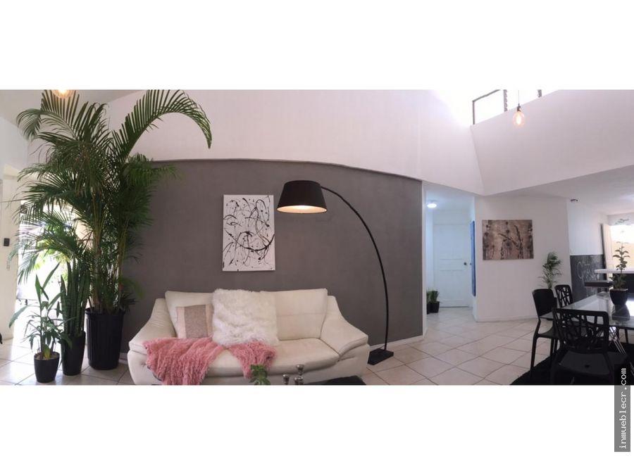 casa y apartamento de una planta en residencial