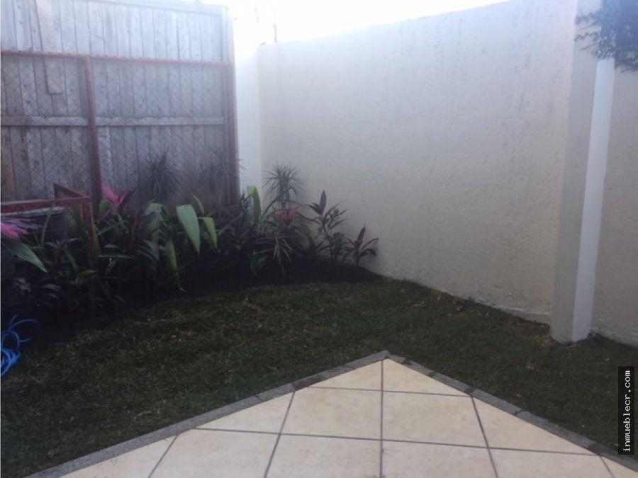 alquiler de casa en guachipelin con linea blanca y ac