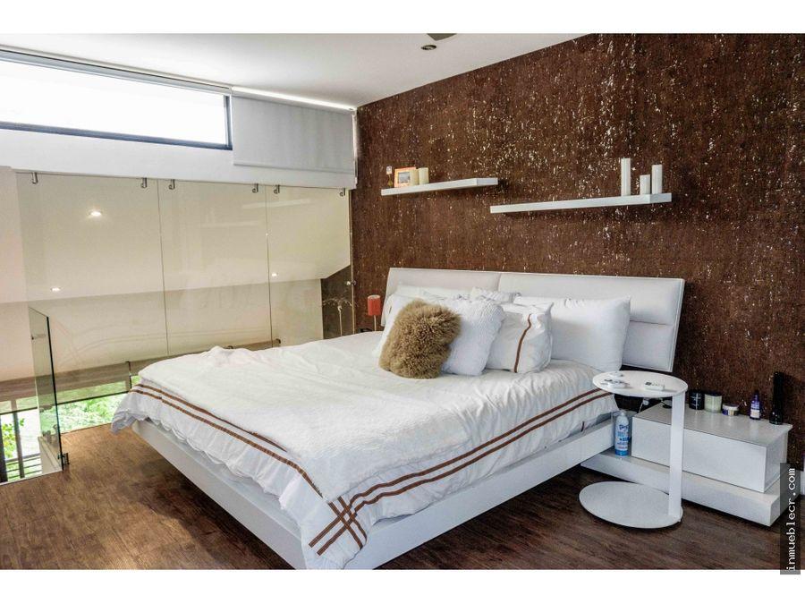 loft de 2 pisos sin muebles
