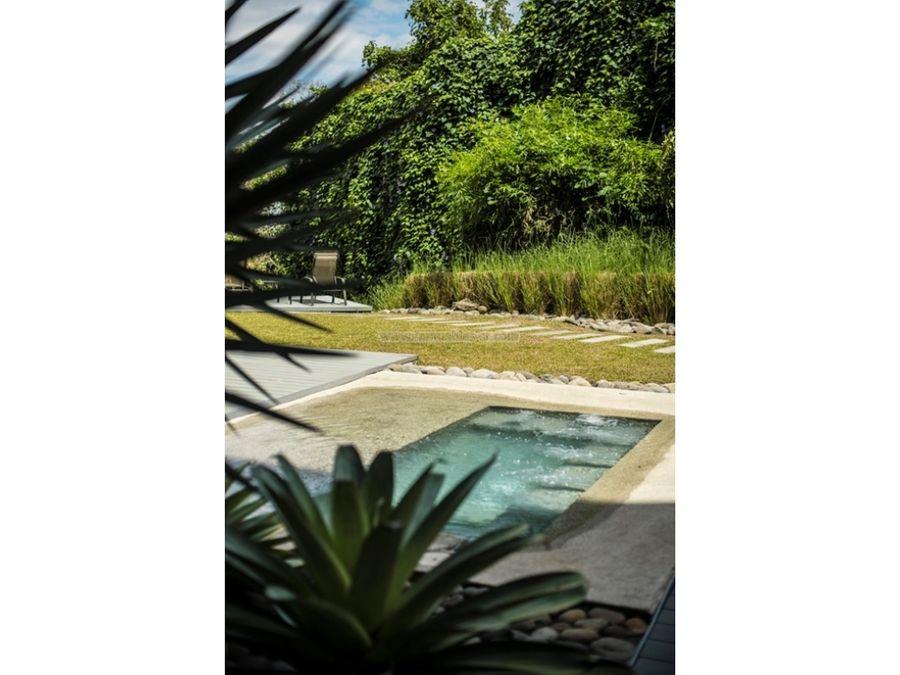 alquiler con patio privado en brasil de santa ana