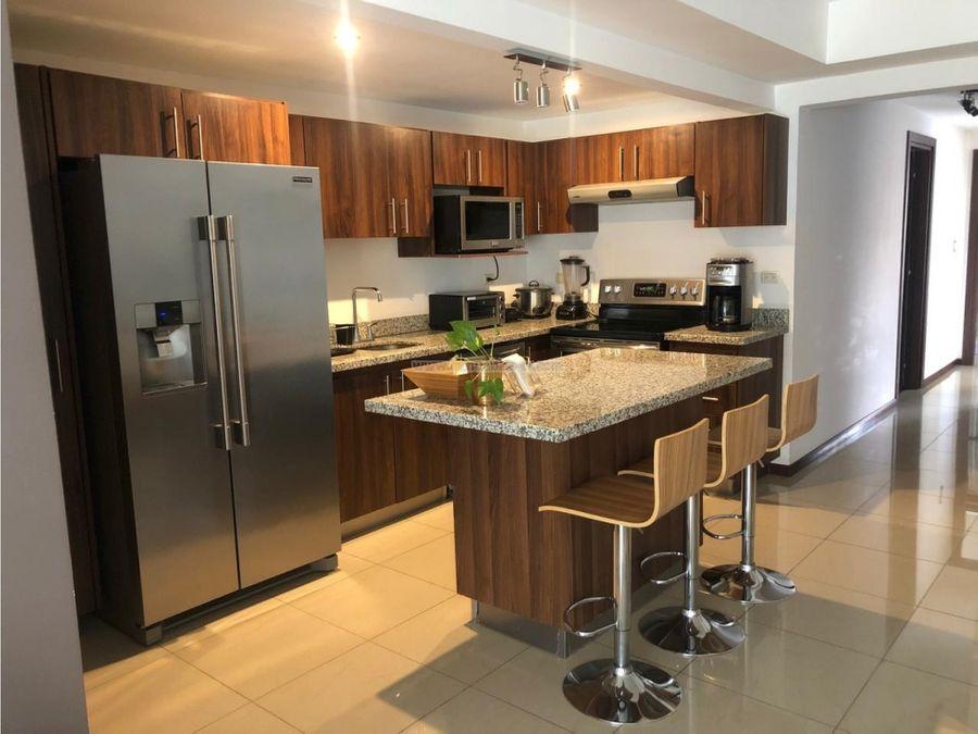 bello apartamento contemporaneo en venta