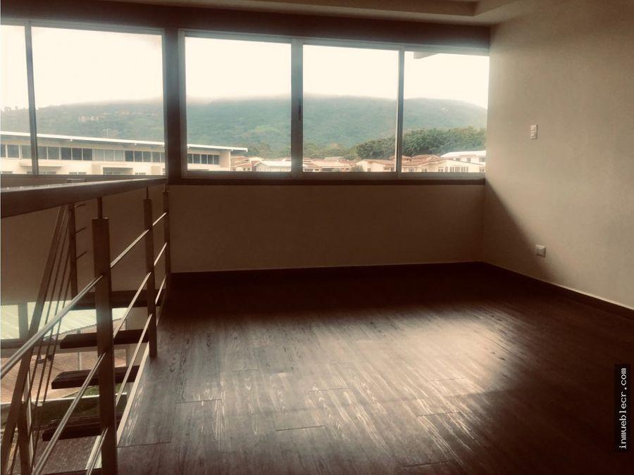 apartamento duplex en riverpark